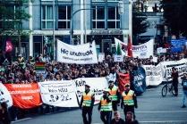 Sprechchöre gegen die These vom NSU als Trio, gegen den Verfassungsschutz, gegen Rassismus.